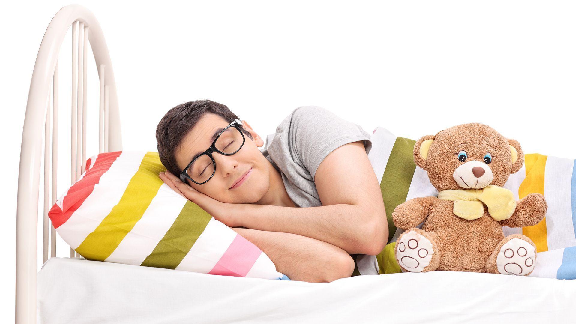 Babybed opmaken zomer - Als Volwassene Slapen Met Een Knuffel Kan Dat Nog