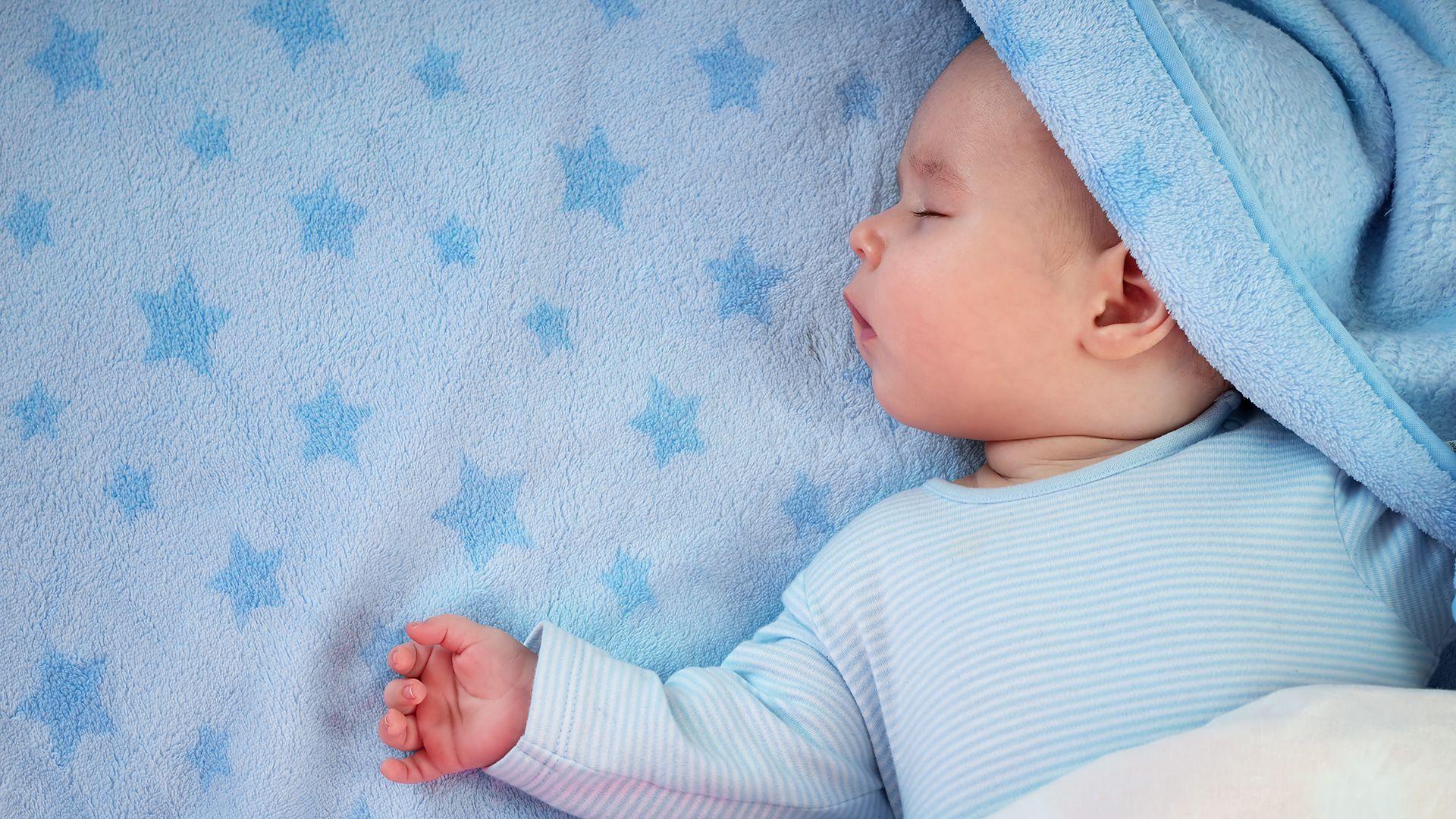 Babybed opmaken zomer - Baby Op Komst Dit Heb Je Nodig Aan Beddengoed Smulderstextiel Nl Blog