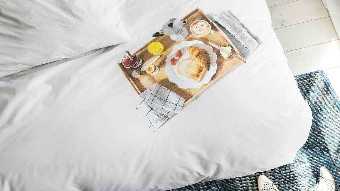 snurk slapen beddengoed overtrek ontbijt op bed