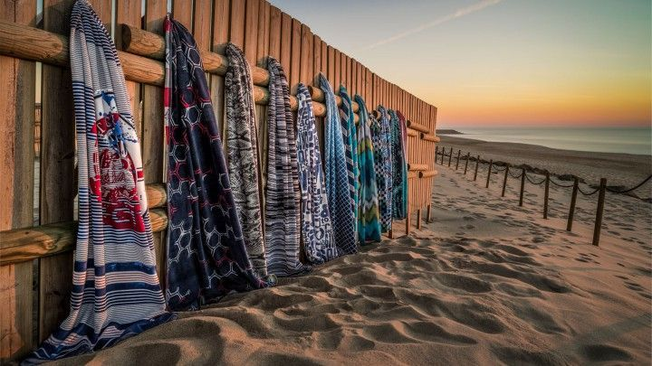 Heerlijk luieren op een strandlaken! - De mooiste en leukste strandlakens op een rij