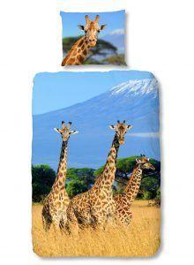 Creeër Afrikaanse sferen in je slaapkamer met dit dekbedovertrek met daarop drie giraffen in het Serengeti-park.