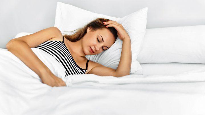 Ervaar de luxe en het comfort van het slapen onder een linnen dekbedovertrek.