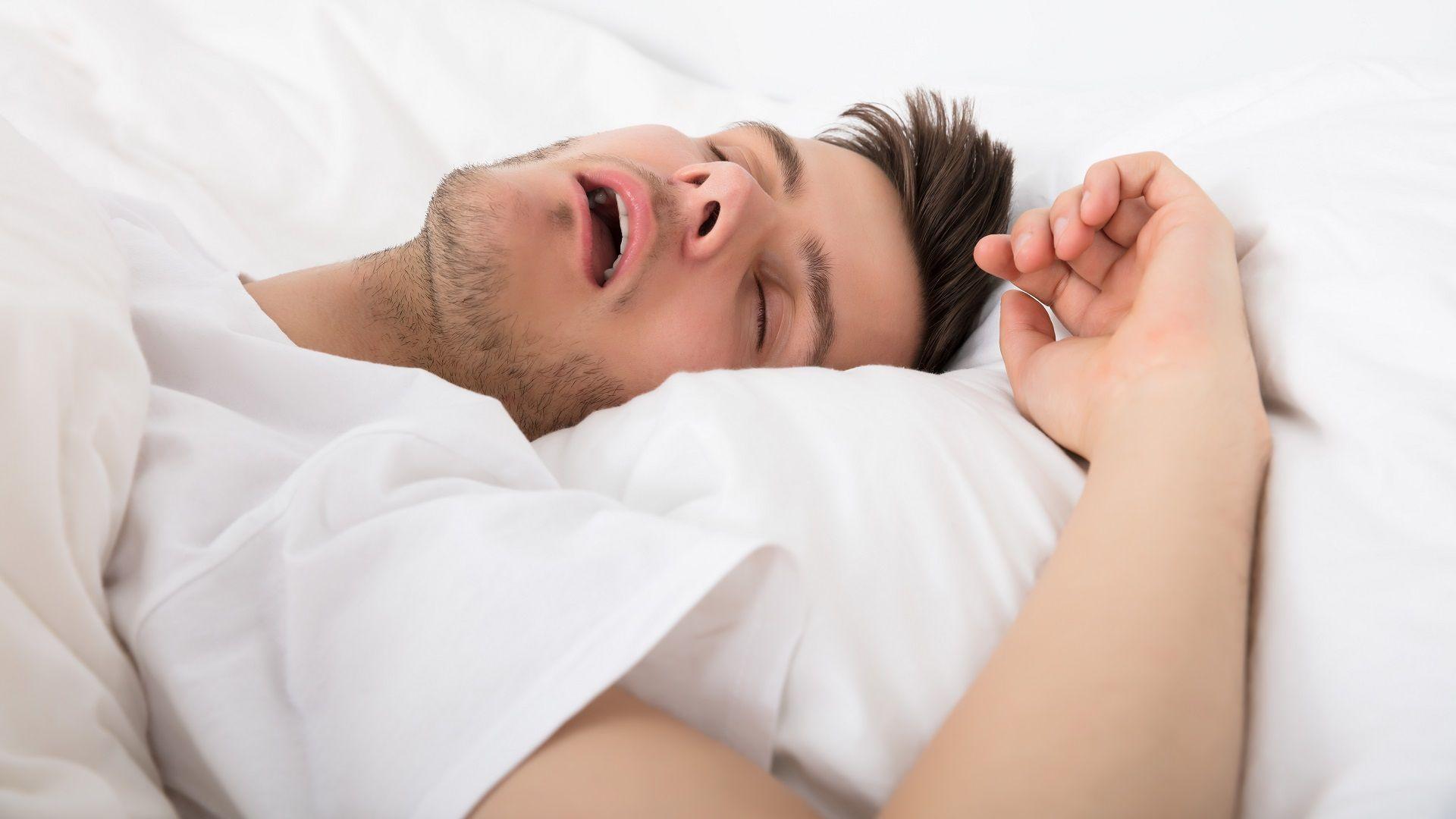 Als je thuis werkt, is het erg verleidelijk om lekker lang te blijven liggen